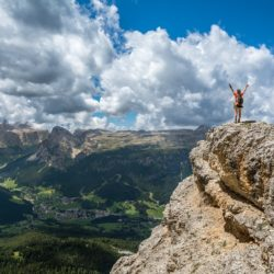 get more free time to climb mountains by monetizing your expertise with online courses
