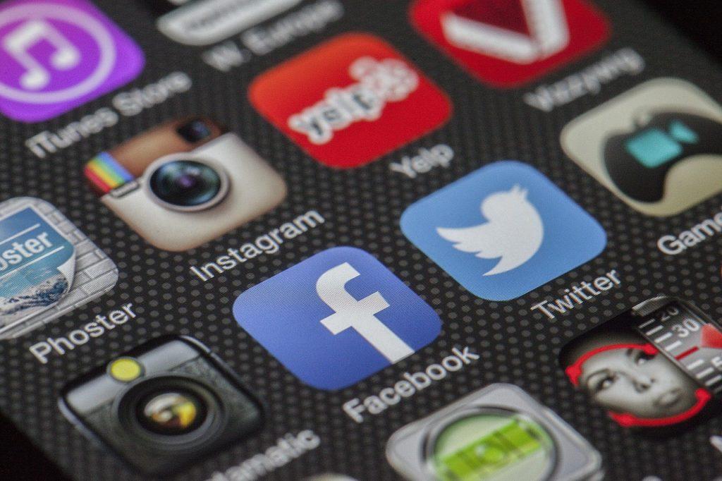 social media online course promo online learning management system SOAR